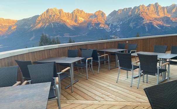 bergrestaurant-treichlhof-terrasse